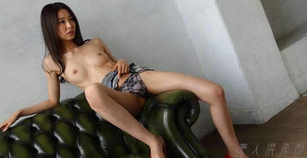 AV女優 夏目彩春 なつめいろは 美尻 美脚 フェラ画像 クンニ画像 エロ画像 無修正bb010a.jpg