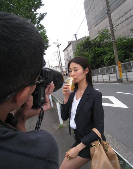 夏目彩春(なつめいろは)美脚美女の画像140枚のbb050番