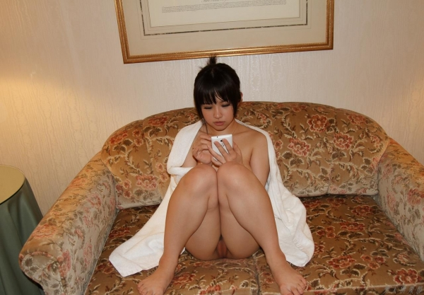 岡本奈々 素人ギャル 出会い系 セックス画像 フェラ画像 クンニ画像 無修正 エロ画像112a.jpg