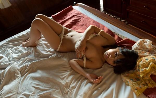 紗藤まゆ (さとうまゆ) 勃起乳首の美少女ヌード画像125枚のb013番