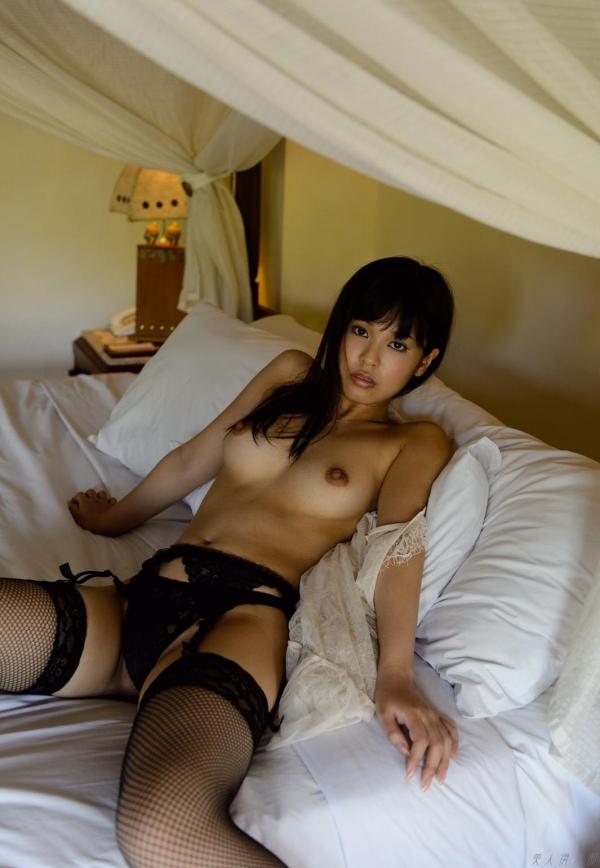 紗藤まゆ (さとうまゆ) 勃起乳首の美少女ヌード画像125枚のf002番