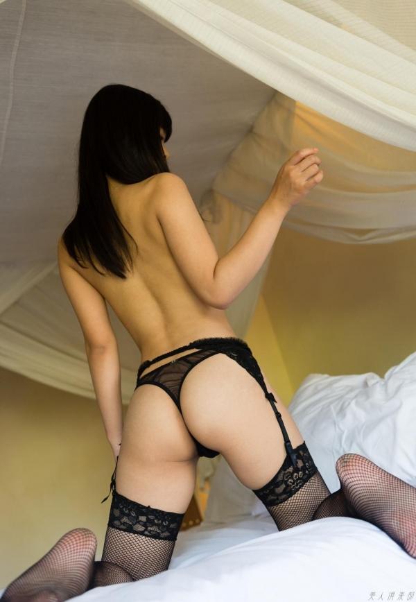 紗藤まゆ (さとうまゆ) 勃起乳首の美少女ヌード画像125枚のf004番