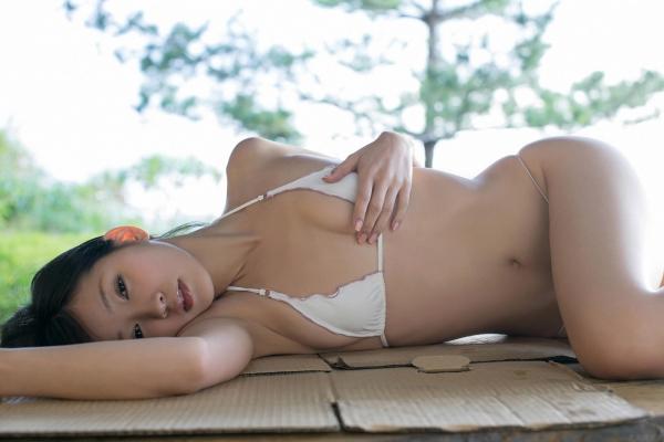 グラビアアイドル 階戸瑠李 しなとるり 過激 水着画像 ヌード画像 エロ画像047a.jpg