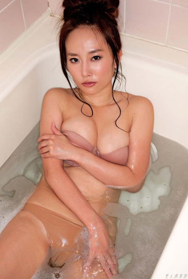 グラビアアイドル 山中絢子 水着画像 ヌード画像 エロ画像040a.jpg