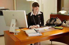 オフィスの女性(プラダを着た悪魔)