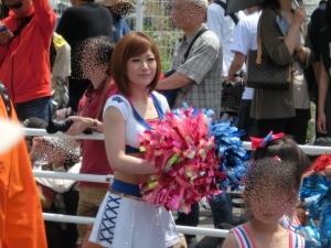 5月3日。ザよこはまパレードに参加!お姉さんの顔つきです。