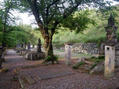 織田氏七代の墓所3