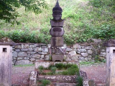 織田氏七代の墓所4