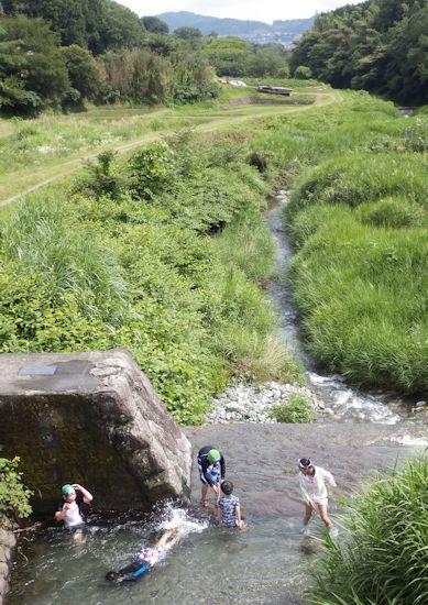 四十八瀬川下流方向
