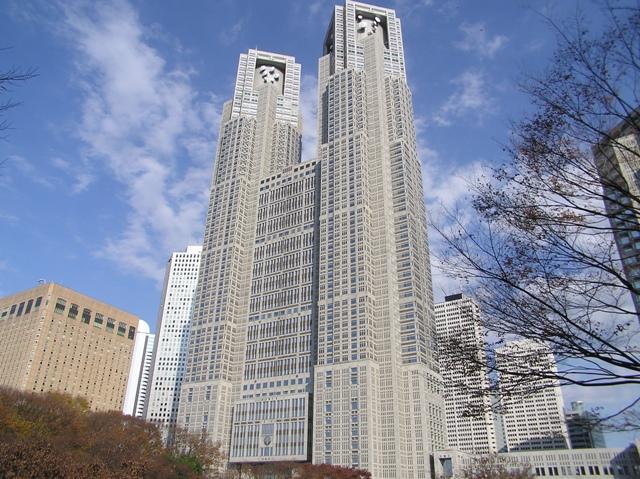 Tokyo_Metropolitan_Government_Building_no1_Tocho_06_7_December_2003[1]