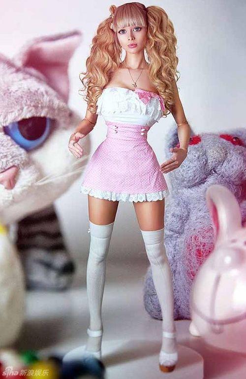 リアルバービー人形の画像