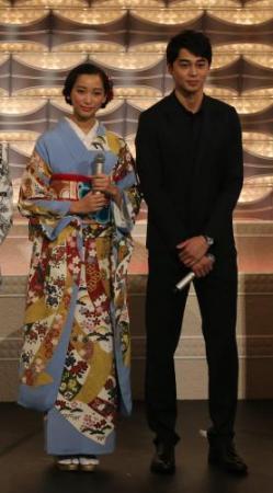 結婚した東出昌大と杏の画像