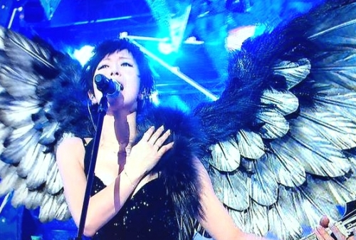 ミュージックステーションスーパーライブ2014に出演した椎名林檎の画像
