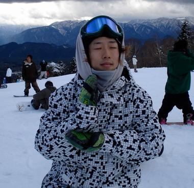 下半身不随になったプロスノーボーダー岡本圭司の画像