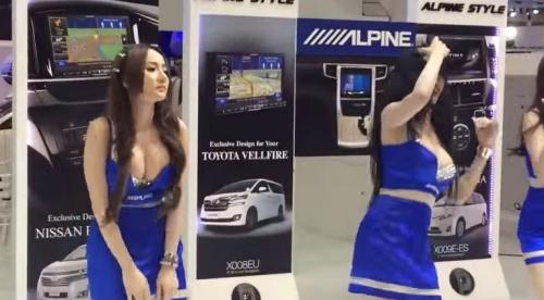 バンコク国際モーターショー2015のコンパニオンの謎のダンス