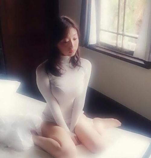 潔癖症グラビアアイドル寺田御子の画像