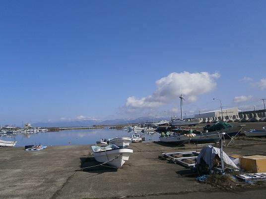 早春の港1