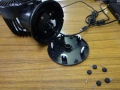 USB扇風機の底面(ゴム足&ネジ取外し)
