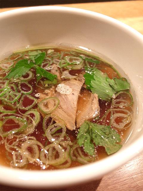141003すずらん-角煮麺 清浄麺・つけ汁