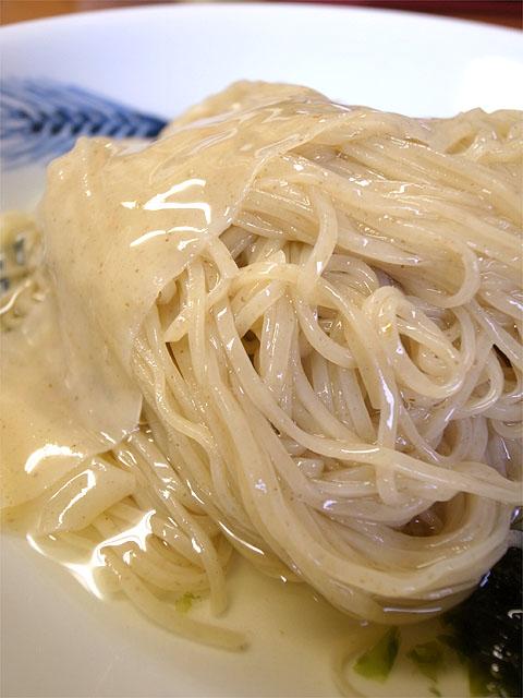 141005飯田商店-つけ麺・麺アップ