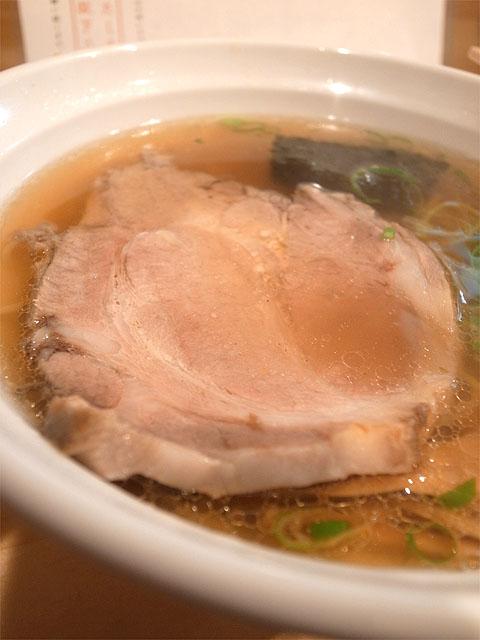 141016大阪麺哲-醤油・肉