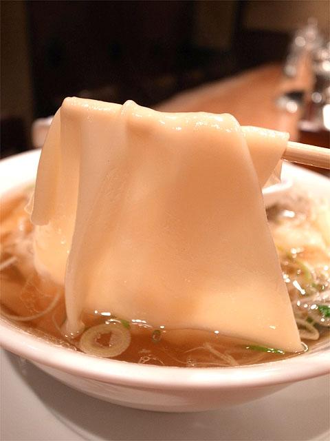 141101すずらん-雲呑麺リフト