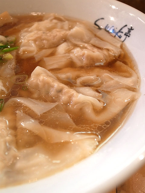 141103ShiNaChiKu亭-醤油ワンタン麺・ワンタン