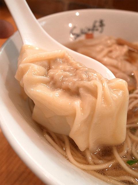 141103ShiNaChiKu亭-醤油ワンタン麺・ワンタンアップ
