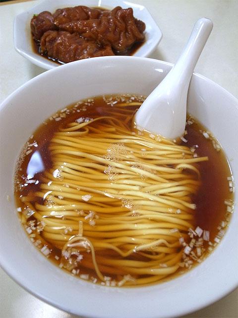 141103徳記-豚脚麺