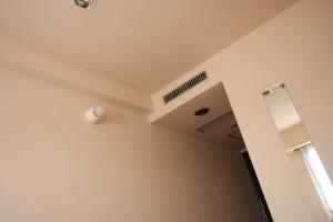 hotel_ceiling2.jpg