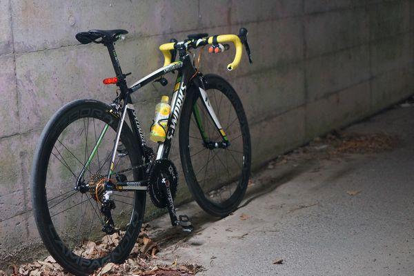 自転車をはじめる  【夜ぽた】闇夜に烏