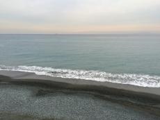 またデカい船が居る。最近よくみるな。(と言っても数ヶ月に1度くらいだけど) #海 #海photo