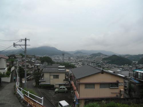 午後からはやっぱり雨でした。
