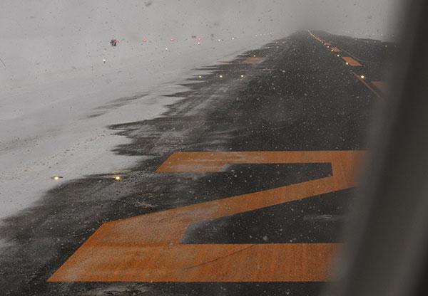 豪雪のいわて花巻空港(3)