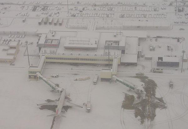 豪雪のいわて花巻空港(4)