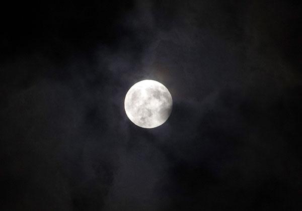 岩手の皆既月食(終盤)