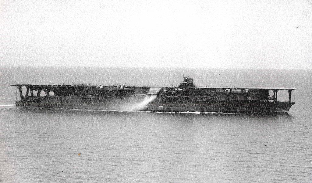 1024px-Japanese_Navy_Aircraft_Carrier_Kaga.jpg