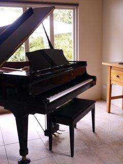 Piano.M.L.L