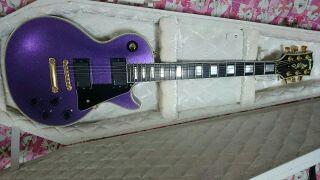 シンディさん紫レスポール2