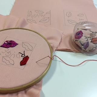 クチビル手刺繍