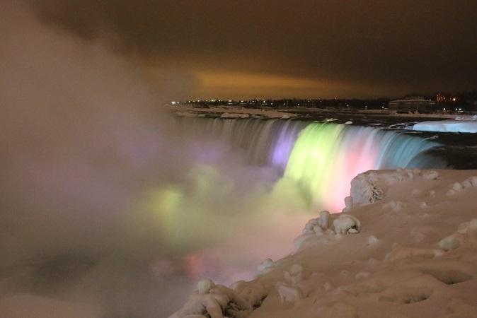 2015カナダ旅行:0213トロント テーブルロック ナイアガラの滝 ライトアップ5