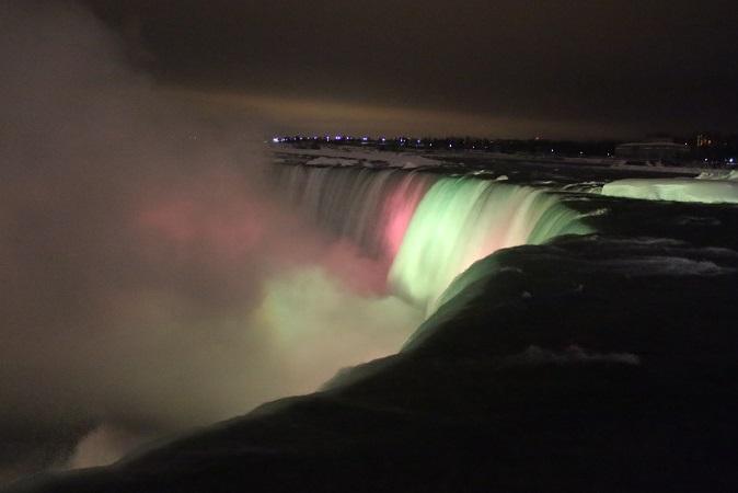 2015カナダ旅行:0213トロント テーブルロック ナイアガラの滝 ライトアップ6