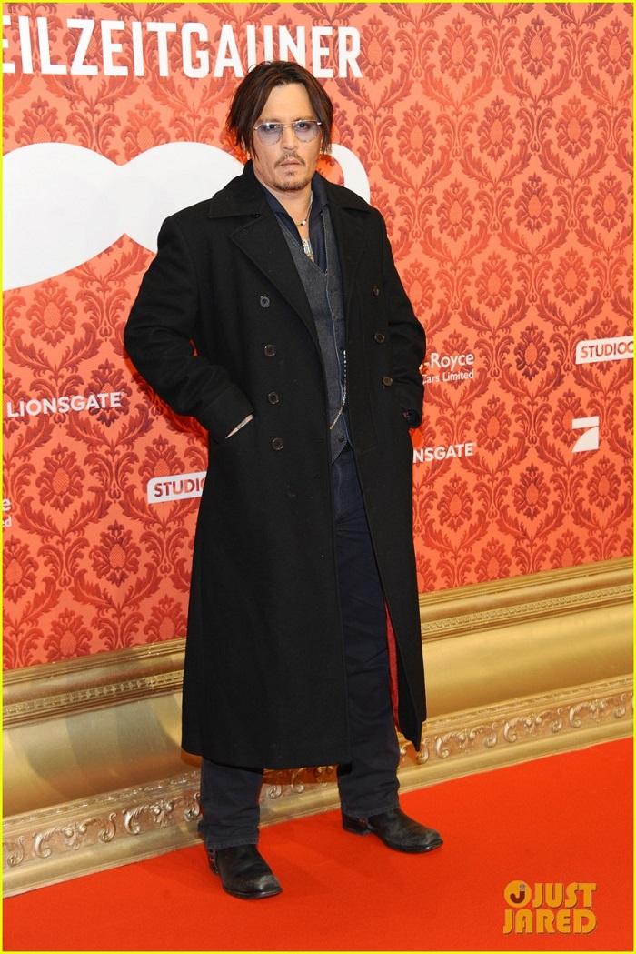 johnny-depp-premiere-mordecai-berlin-02.jpg
