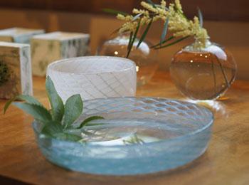 花と緑の器たち_早崎3