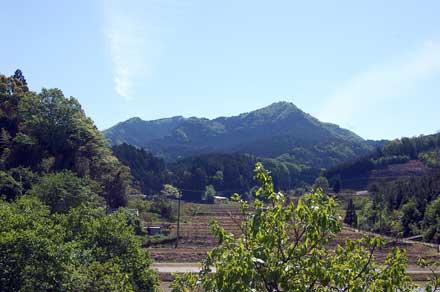 15.5.11三郎岳山容