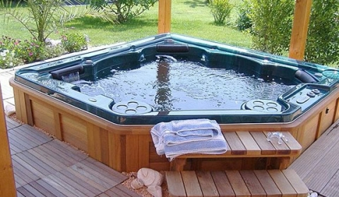 hot-tubs.jpg