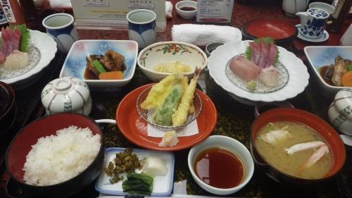 稚加榮さん 昼食