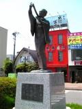JR羽後本荘駅 本荘追分踊りの像