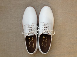 150523白いひも靴