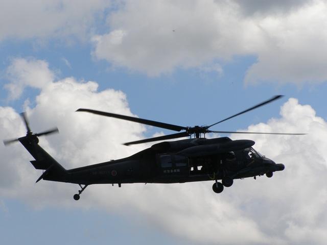 UH-60ホバリング0608